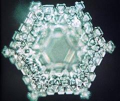 molécula-de-agua-ionizada